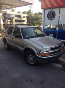 2000 chevy Blazer LT fully loaded for trade or sale runs and drives